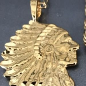 "Indian head pendant with 22"" chain"